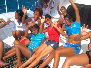 Hello Girls - Sailing New Catamarran